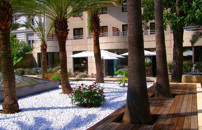 Nice Fleurs - Hotel - 0