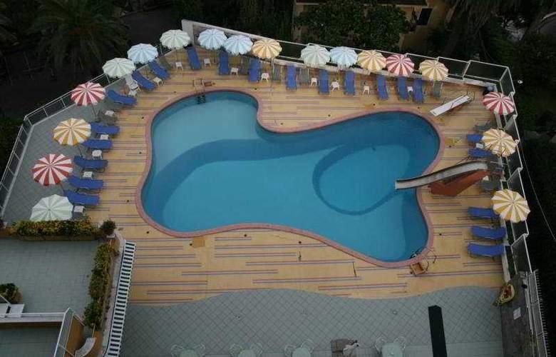 Park Hotel Suisse - Pool - 4