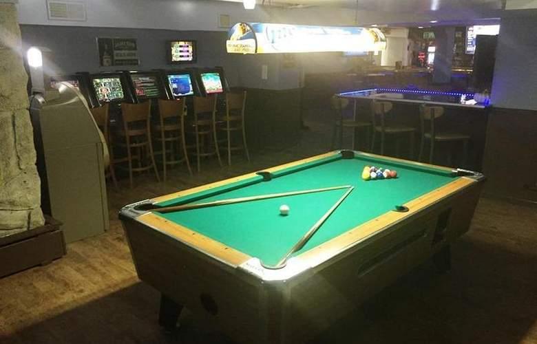 Best Western Woods View Inn - Restaurant - 104