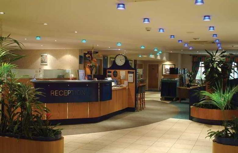 Holiday Inn Express Inverness - General - 1