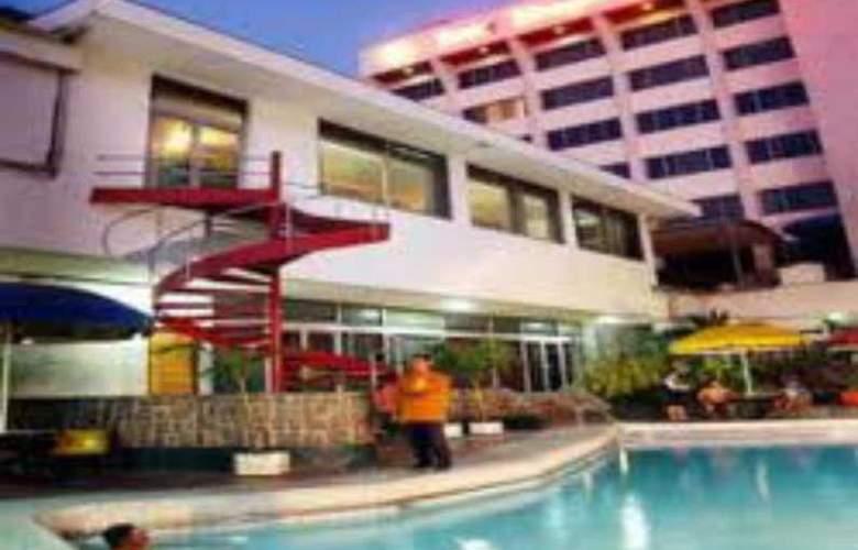 Inna Simpang Surabaya - Pool - 10