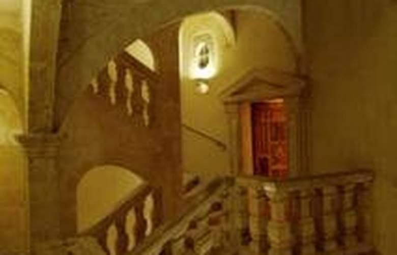 New Hotel de la Baume - Hotel - 0