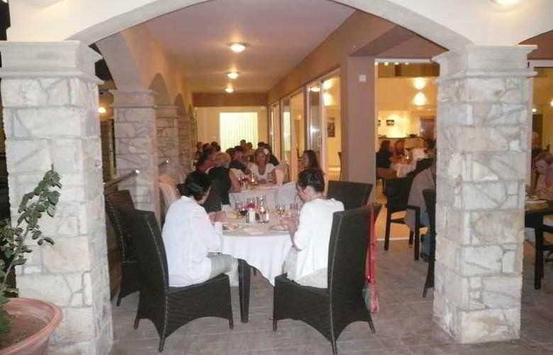 Club St George Resort - Restaurant - 28