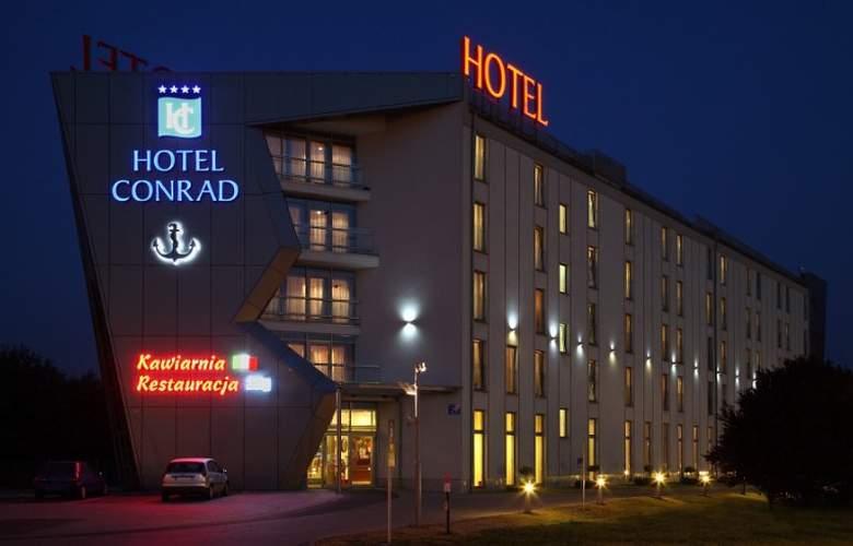 Conrad - Hotel - 0