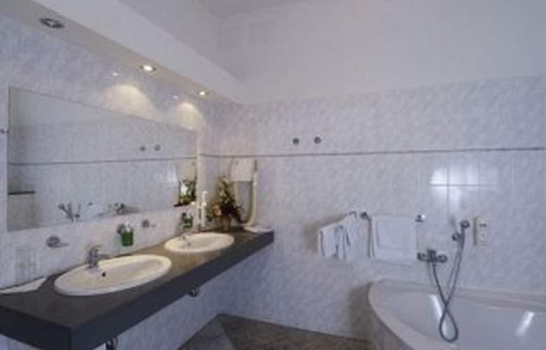 Euroagentur Hotel Labuznik - Room - 0