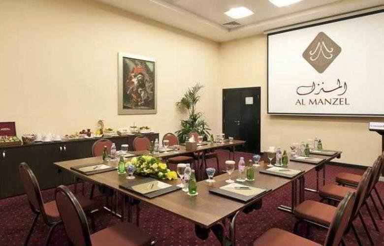 Al Manzel Hotel Apartments - Conference - 15