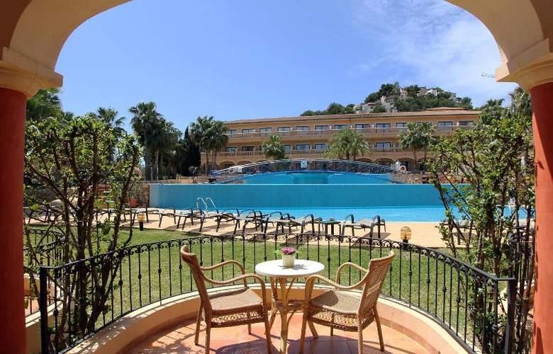 Mon Port Hotel Spa - Terrace - 214