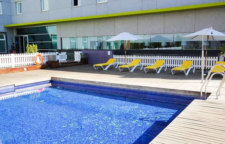 Vertice Aljarafe - Pool - 24