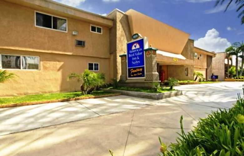 Americas Best Value Inn Anaheim - Hotel - 4