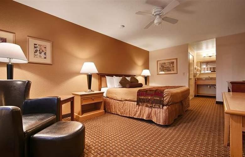 Best Western Plus Orchard Inn - Room - 44