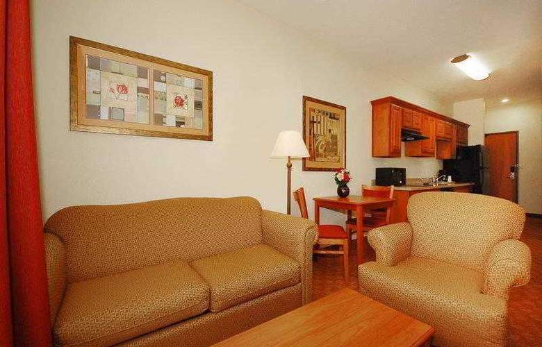 Best Western Plus San Antonio East Inn & Suites - Hotel - 24