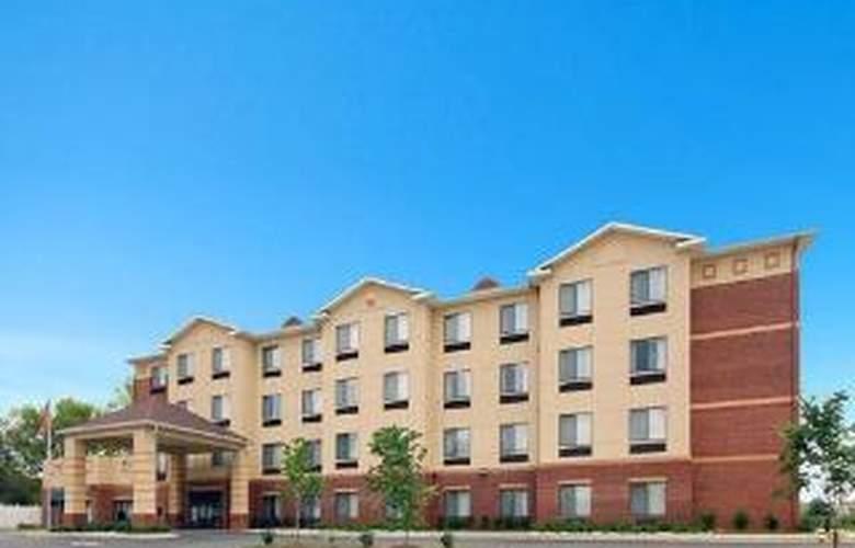 Comfort Inn & Suites Monggomery - General - 1