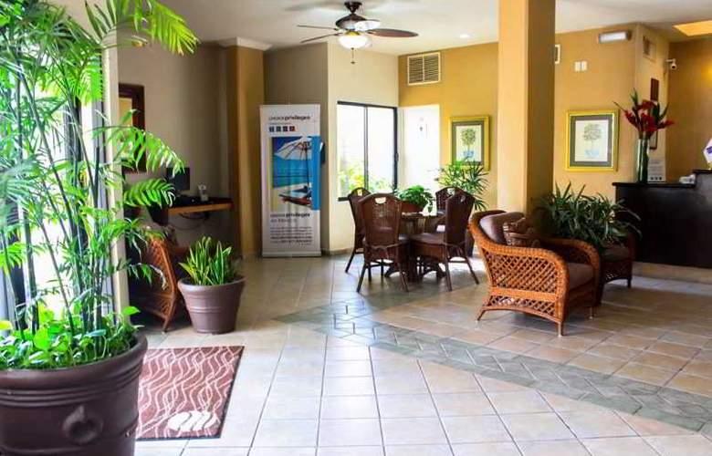 Comfort Inn Tampico - General - 11