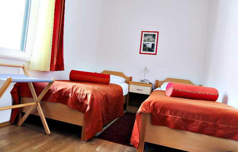 Pervanovo Apartments - Room - 20