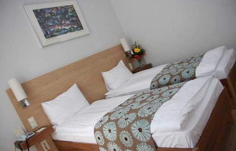 Bristol - Room - 5