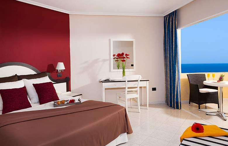 Club Marina Tenerife - Room - 1