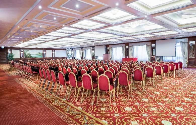 Royal Hotel Carlton - Conference - 18