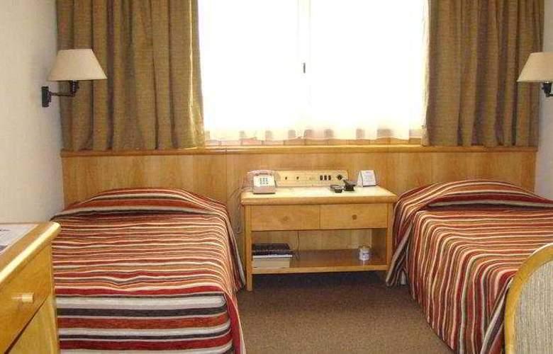 Lafayette - Room - 3