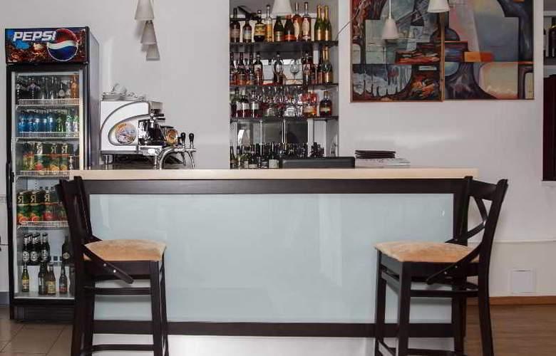 Arealinn - Bar - 2