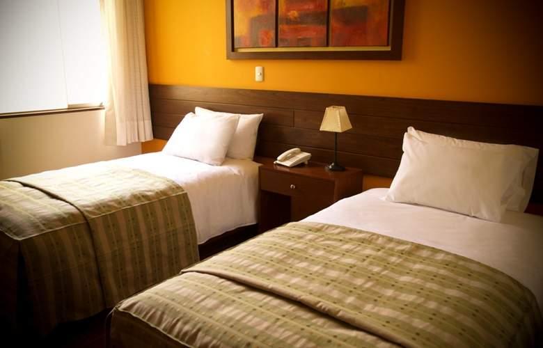 Los Tambos - Room - 10