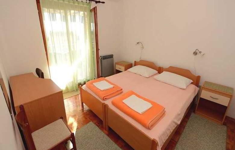 Andjelko - Room - 8