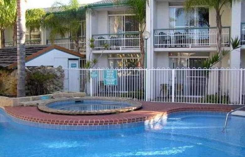 Comfort Inn Mandurah - Pool - 1