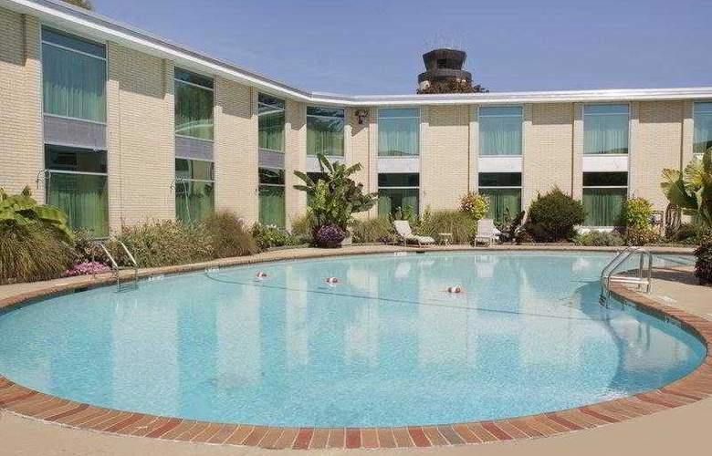 Best Western Syracuse Airport Inn - Hotel - 3