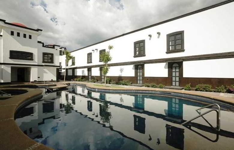 The Latit Real Hacienda de Santiago - Pool - 9