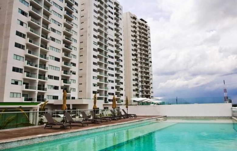 Torre Barcelona Cancún - Pool - 6