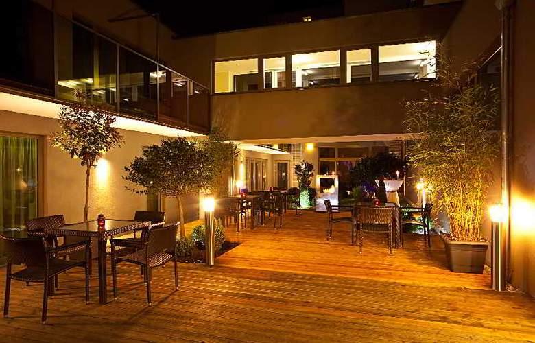 Pakat Suites Hotel - Hotel - 10