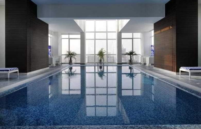 Ramada Encore Doha - Pool - 5