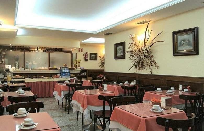 Best Western Hotel Los Condes - Restaurant - 109
