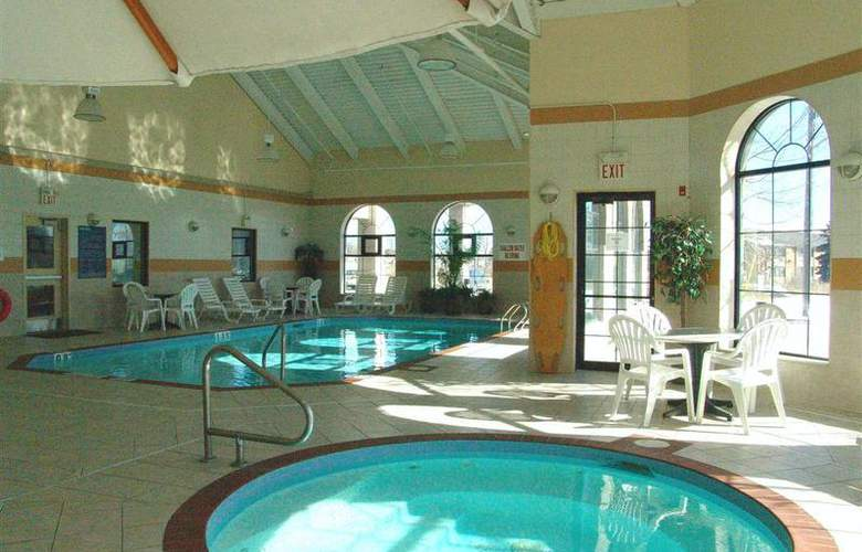 Best Western Plus Executive Inn Scarborough - Pool - 134