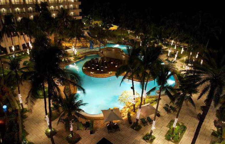 Sofitel Philippine Plaza Manila - Pool - 2