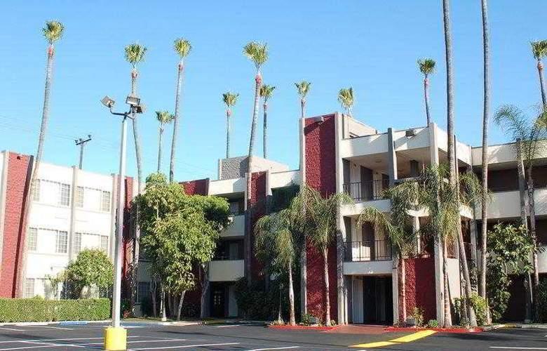 Best Western Plus Carriage Inn Sherman Oaks - Hotel - 10