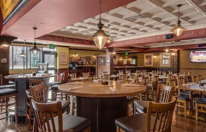 Best Western New Englander - Bar - 58