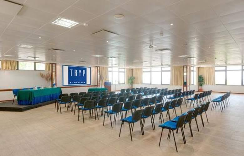 Tryp Colina do Castelo - Conference - 16