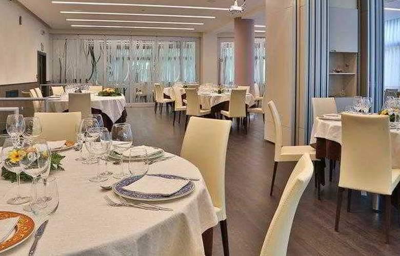 Best Western Cristallo - Restaurant - 3