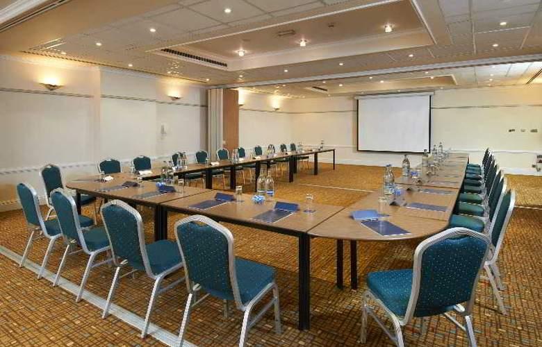 Hilton London Euston - Conference - 22