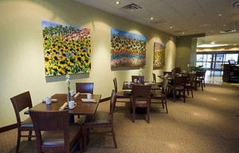 The Courtyard Philadelphia City Avenue - Restaurant - 8