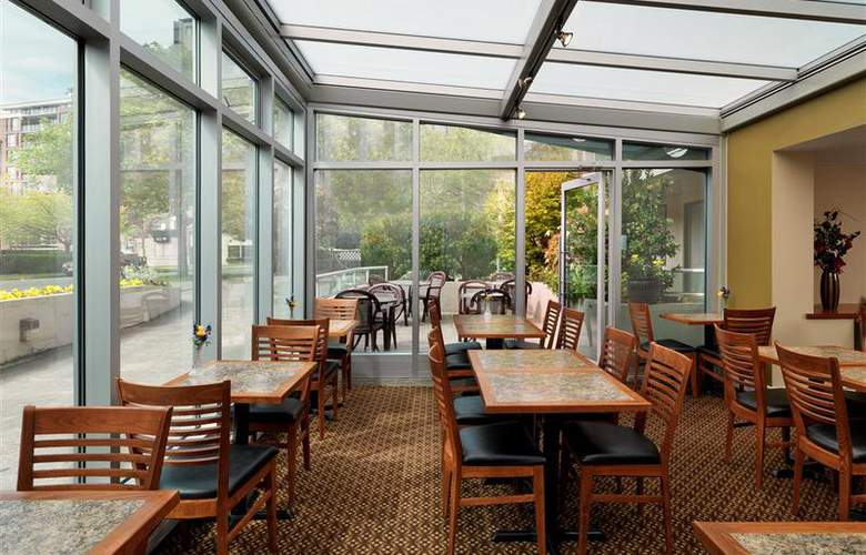 Best Western Plus Inner Harbour - Restaurant - 61