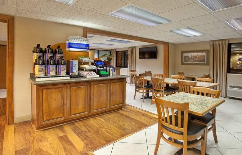 Holiday Inn Express Tucson-Airport - Bar - 17