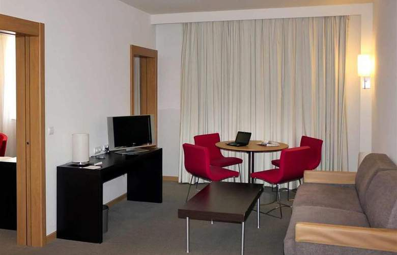Sercotel Valladolid - Room - 1