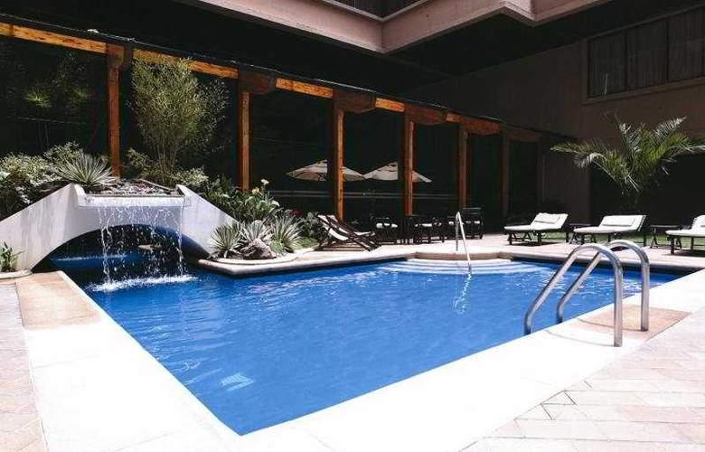 Swissotel Quito - Pool - 4