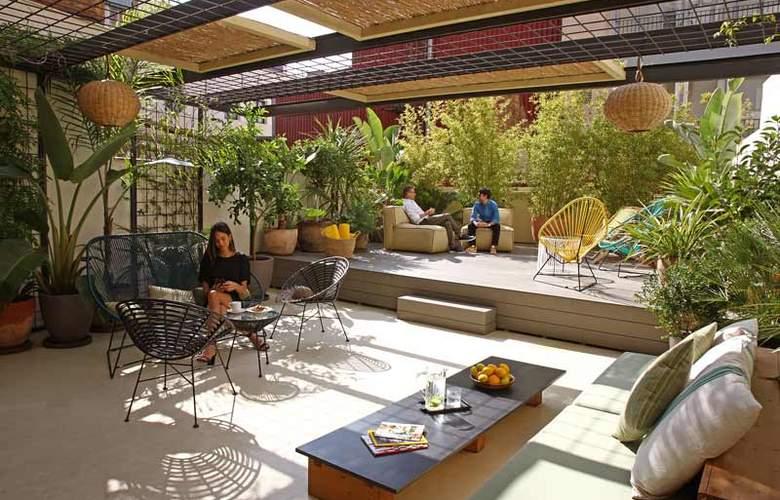 Chic & Basic Lemon Boutique Hotel - Terrace - 4
