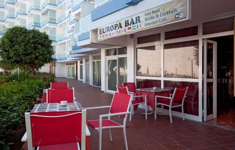 Apartamentos Europa - Restaurant - 4