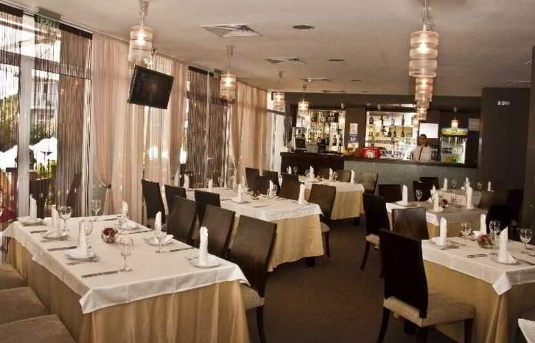 Perla - Restaurant - 3
