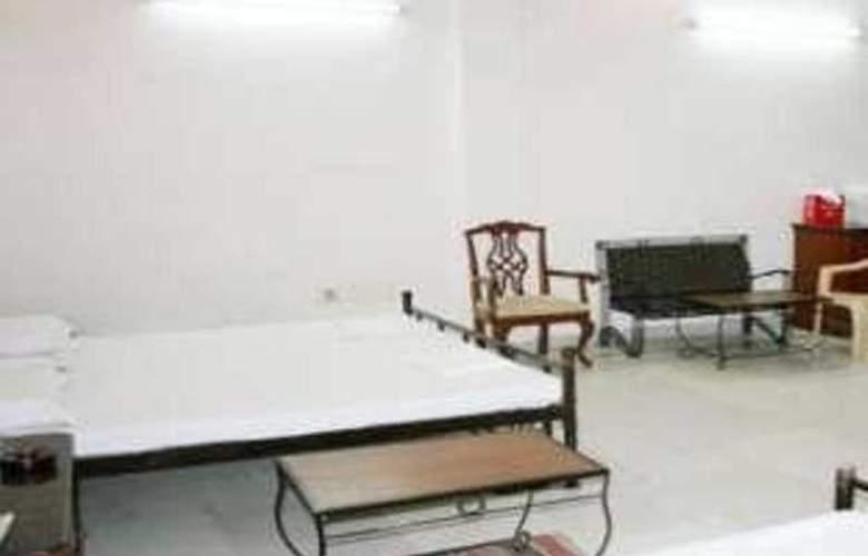 Pearl Plaza - Room - 11