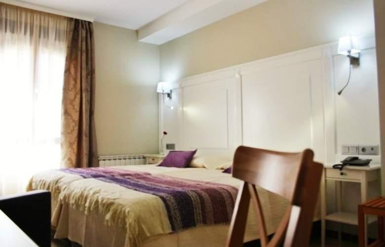 Sevilla - Room - 1