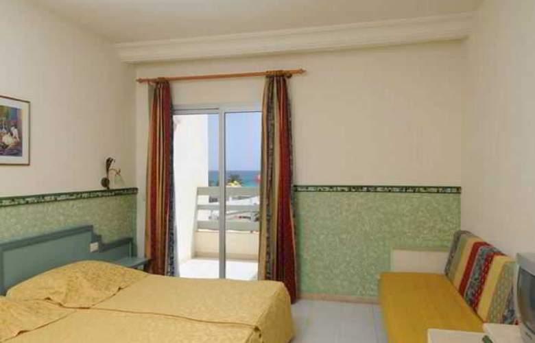 PrimaSol Omar Khayam Resort & Aquapark - Room - 3